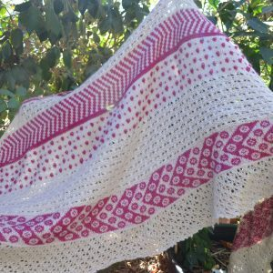 Berries & Cream Shawl in Trees Small